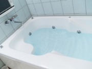 お風呂の床や壁のカビを取りたい!